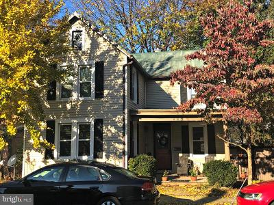 Single Family Home For Sale: 115 E New Street
