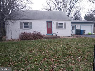 Mount Joy Single Family Home For Sale: 4403 Miller Drive
