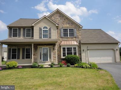 Mount Joy Single Family Home For Sale: 8 Sarah Lane