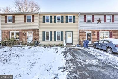 Ephrata PA Townhouse For Sale: $154,900