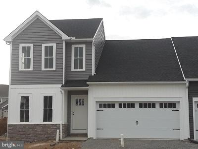 Mount Joy Single Family Home Under Contract: 201 Waters Edge