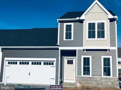 Single Family Home Under Contract: 203 Waters Edge