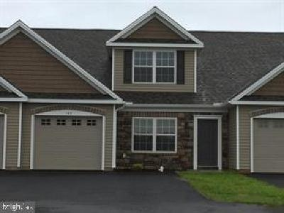 Elizabethtown PA Townhouse For Sale: $207,900