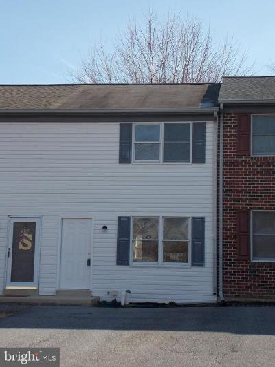 Elizabethtown PA Townhouse For Sale: $122,500