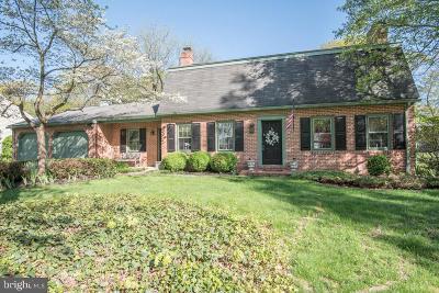 Lancaster Single Family Home For Sale: 955 Woodridge Boulevard