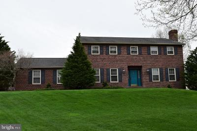 Manheim Single Family Home For Sale: 81 Daffodil Drive