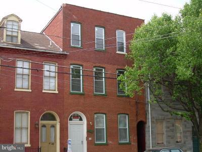 Lancaster Multi Family Home For Sale: 220 W James Street