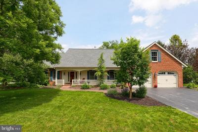 Lititz Single Family Home For Sale: 223 Farmstead Lane