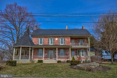 Lancaster County Single Family Home For Sale: 647 Long Lane