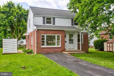 Lancaster County Single Family Home For Sale: 2038 Manor Ridge Drive