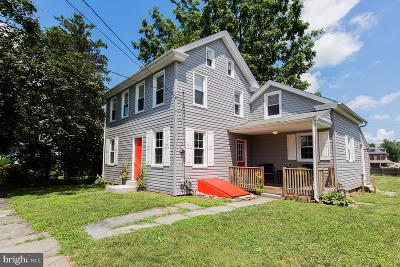 Lancaster PA Single Family Home For Sale: $189,997