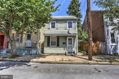 Single Family Home For Sale: 225 S 4th Street