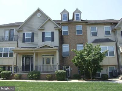 Townhouse For Sale: 614 Petersburg