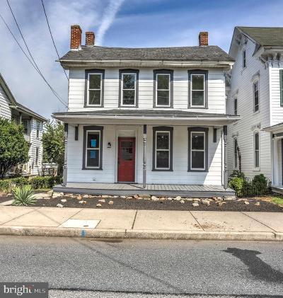 Mount Joy Single Family Home For Sale: 105 N Barbara Street