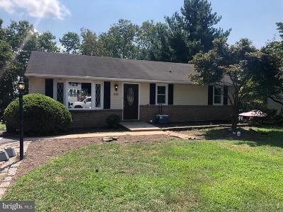 Elizabethtown Single Family Home For Sale: 242 Buttonwood Drive