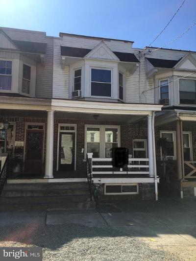 Townhouse For Sale: 736 Walnut Street