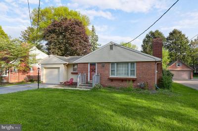 Lancaster Single Family Home For Sale: 120 E Roseville Road