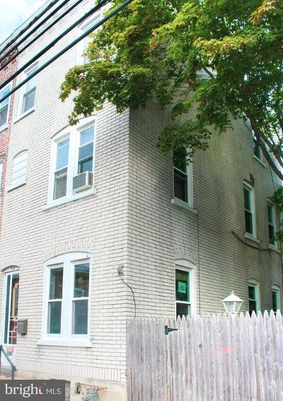 Single Family Home For Sale: 913 Green Street W