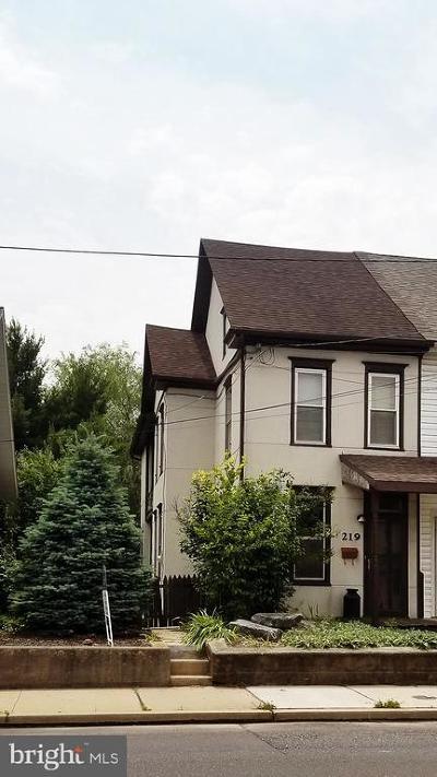 Palmyra Single Family Home For Sale: 219 S Railroad Street