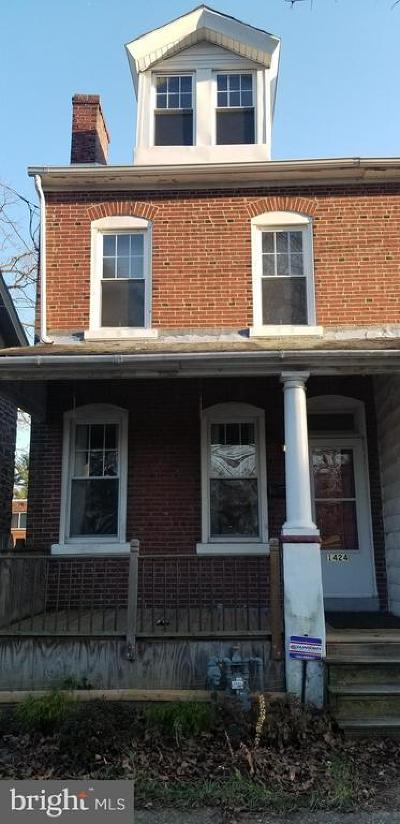 Norristown Single Family Home For Sale: 1424 Stanbridge Street