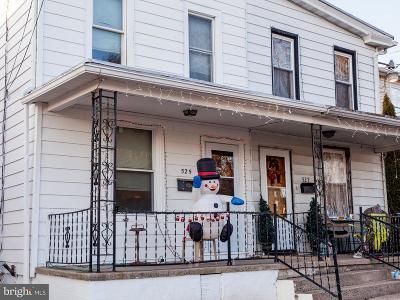 Single Family Home For Sale: 525 Lemon Street