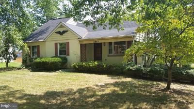 Norristown Single Family Home For Sale: 2914 N Whitehall Road