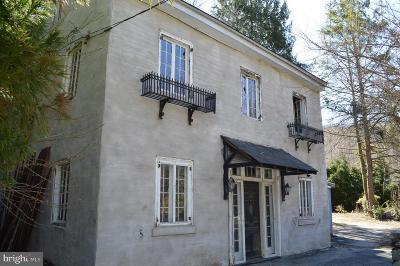 Conshohocken Single Family Home For Sale: 1004 Trinity Lane