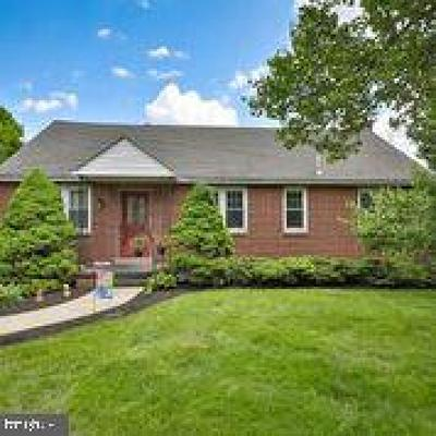 Norristown Single Family Home Under Contract: 3204 Dekalb Pike