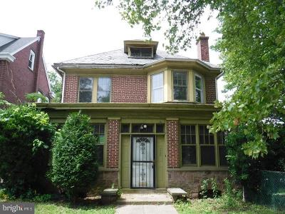 Norristown Single Family Home For Sale: 220 W Wood Street