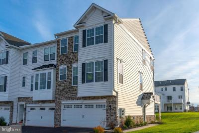 Collegeville Townhouse For Sale: 157 Woodwinds Drive