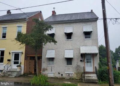 Pottstown Single Family Home For Auction: 370 Walnut Street