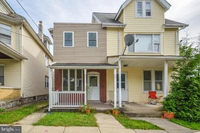 Single Family Home For Sale: 2138 Freemansburg Avenue