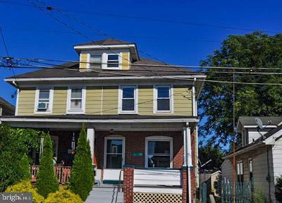 Single Family Home For Sale: 438 S 21st Street