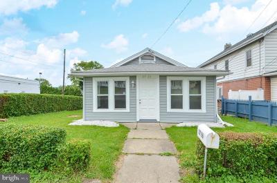 Single Family Home For Sale: 2726 Freemansburg Avenue