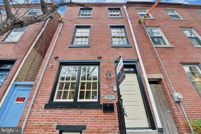 Queen Village Townhouse For Sale: 221 Montrose Street
