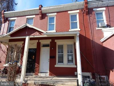 Philadelphia Townhouse For Sale: 817 E Woodlawn Avenue