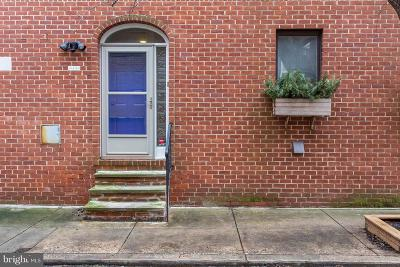 Philadelphia County Townhouse For Sale: 2032 Naudain Street