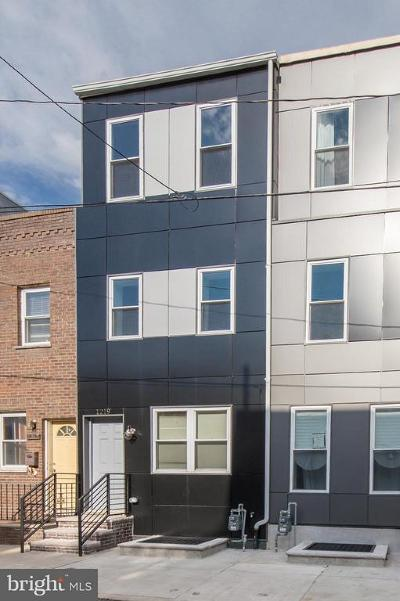 Philadelphia County Townhouse For Sale: 1219 S Bucknell Street