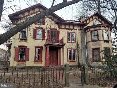 Philadelphia Single Family Home For Sale: 48 E Penn Street