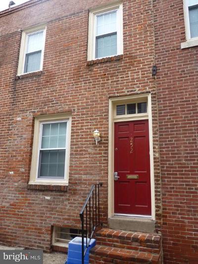Washington Sq Townhouse For Sale: 248 S Alder Street