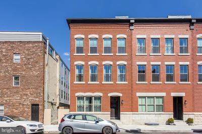 Philadelphia County Townhouse For Sale: 441 Dickinson Street