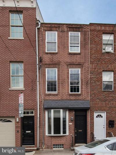 Queen Village Townhouse For Sale: 909 S 2nd Street