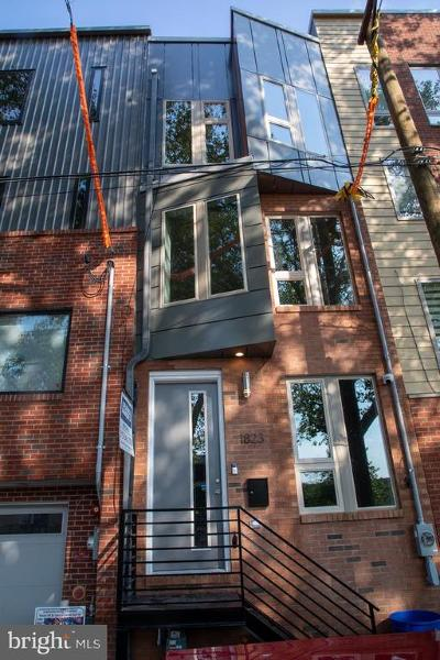 Philadelphia County Townhouse For Sale: 1823 Blair Street