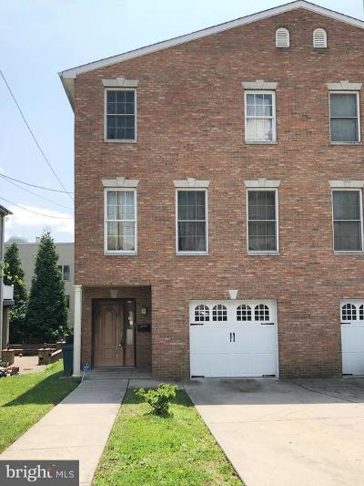 Roxborough Single Family Home For Sale: 257 Lemonte Street