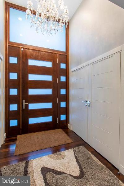 Society Hill Townhouse For Sale: 339 S 5th Street