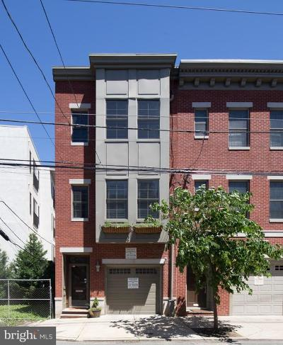 Philadelphia County Townhouse For Sale: 679 N 15th Street