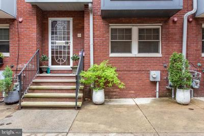 Philadelphia County Townhouse For Sale: 808 S Mildred Street