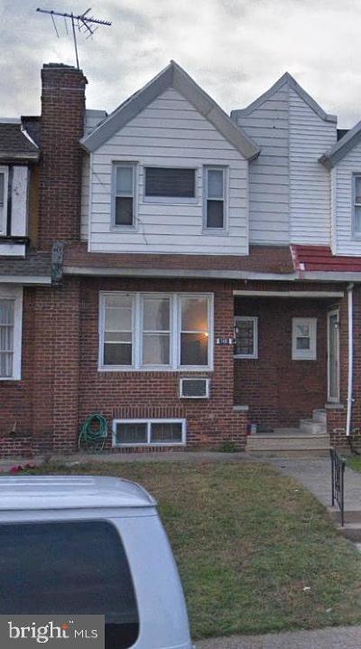Philadelphia County Townhouse For Sale: 7431 Elmwood Avenue