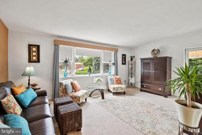 Burholme Single Family Home For Sale: 7614 Linda Place