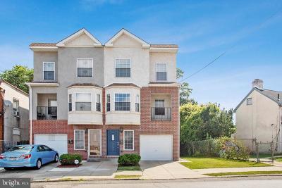 Philadelphia Single Family Home For Sale: 7517 Limekiln Pike